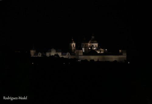 Monasterio de San Lorenzo de El Escorial de noche 2019