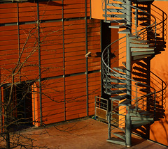 Orange (Le.Patou) Tags: psp newtheme orange france rhône lyon parctêted'or centredescongrès fz1000 façade escalier ombre wall front stair shadow stairs building square