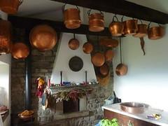 The Kitchen of Castello di Castiglione del Terziere (Truus, Bob & Jan too!) Tags: castiglionedelterziere lunigiana toscana italia italy italië tuscany toscane cucina kitchen pans pentole cuisine keuken pannen camino fireplace