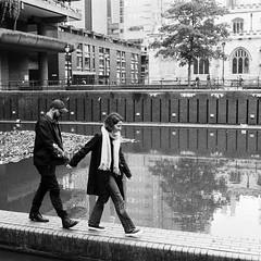 (a.pierre4840) Tags: olympus om3 zuiko 35mm f28 35mmfilm ilford ilfordhp5 hp5 hp5plus bw blackandwhite noiretblanc squareformat 11 candid architecture reflection grainy grainyfilm london england