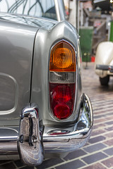 Aston Martin DB5 (alan_godber) Tags: canon eos 600d astonmartin jamesbond db5 classic lights