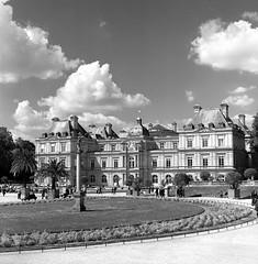 Jardin du Luxembourg (csobie) Tags: bronicasqa 80mmf28ps red 25a tmax400 kodak film mediumformat analog 6x6 120 scan epson v600 travel summer clouds park jardinduluxembourg paris france europe
