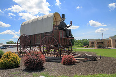 Worlds Largest Covered Wagon (seanflynnphotographyrandoms) Tags: route66 illinois lincoln roadside attraction coveredwagon