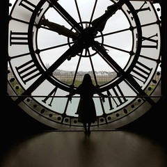 Orsay Clock (Alan Amati) Tags: amati alanamati france eu europe paris orsay muse musem d orsaymusée dorsay musee clock shilouette view louvre monmarte girl woman square color travel artistic art