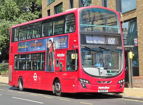 Metroline Volvo B9 VW1824 BK10MFA on route 607 - a photo on