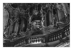 58 [titre vieil orgue] (Armin Fuchs) Tags: arminfuchs lavillelaplusdangereuse würzburg anonymousvisitor thomaslistl wolfiwolf jazzinbaggies käppele church musicalinstrument organ orgel barock rokoko diagonal niftyfifty