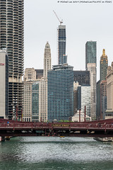 Chicago River (20190524-DSC08210) (Michael.Lee.Pics.NYC) Tags: chicago architecture sony a7rm2 fe24105mmf4g chicagoriver lasallestreetbridge wellsstreetbridge carbideandcarbonbuilding marinacity