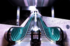 Escalator reflexions (freephysique) Tags: escalator nuit night architecture perspective reflexion reflect reflection nikon d750 bokeh escalier stairs montée abstract up issy les moulineaux france hauts de seine île эскалатор ночь архитектура перспективы отражение боке лестница morin ganet staircase 自動樓梯 夜 架構 透視 反射 背景虛化 樓梯 rolltreppe nacht architektur perspektive treppe escalera mecánica noche arquitectura perspectiva reflexión scala mobile notte architettura prospettiva riflessione エスカレーター アーキテクチャ 展望 階段