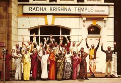 7 Bury Place, Radha Krishna Temple (London) - FB_IMG_1502215790591 (DavidC Photography 2) Tags: 10 soho street london w1d 3dl iskconlondon radhakrishna radha krishna temple hare harekrishna krsna mandir england uk iskcon internationalsocietyforkrishnaconsciousness international society for consciousness walk against hunger charity sponsored feed homeless buy new ev electric vehicle van free food prasadam distribution all life saturday 29 29th june summer 2019 hottest day year 34 degrees c 34c centigrade celcius 29062019 7 bury place buryplace bloomsbury dental practice