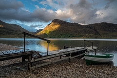 Loch Maree. (Gordie Broon.) Tags: lochmaree landscape westerross scottishhighlands boat scotland schottland fishingboat paysage kinlochewe paisaje ecosse 2019 scenery mountains collines beach pier colinas heuvels lago lac gleannbianasdail trout seatrout salmon gordiebroonphotography scenic scozia szkocja escocia reflections taagan meallanghobhar sonya7rmkii sonyzeiss1635f4lens geotagged caledonia aghaidhealtachd rainy