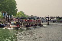 79 - Paris Mai 2019 - la Seine au Pont des Arts (paspog) Tags: paris france seine pontdesarts pnt bridge brücke mai may 2019