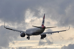 'BA127E' (BA0655) CFU-LHR (A380spotter) Tags: approach arrival landing finals shortfinals threshold cloud sunset dusk airbus a321 200nx a321neo™ newengineoption airbuscabinflexacfoption sharklets™ sharklets sharklet™ sharklet wingtipdevices wingtipdevice winglets winglet gneop internationalconsolidatedairlinesgroupsa iag britishairways baw ba ba127e ba0655 cfulhr runway27l 27l london heathrow egll lhr