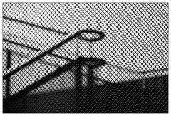 Fence (frodul) Tags: architektur detail gebäude innenansicht kurve linie berlin konstruktion geländer gestaltung stair stairrail stairway step treppe bw einfarbig monochrom sw deutschland stufe