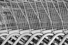 03TX4669 (Kemal Riza) Tags: chariots supermarché achats alışveriş