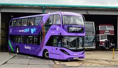 717 YP67XCM (PD3.) Tags: reading berkshire berks bus buses england uk transport fun day al enviro 400h city 717 yp67xcm yp67 xcm