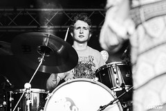 The Royal Crows (Juliane Lancou) Tags: theroyalcrows douarnenez quimper fêtedelamusique 2019 canon canonphoto 5dmarkii julianelancou concert music livemusic concertphotographer concertphotography musicphotography musicphotographer rock summer bretagne brittany france guitar art artist musicband vintage 70s drums drummer blackandwhite expression portrait action