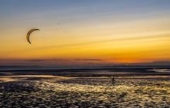 Oesterdam (Omroep Zeeland) Tags: oesterdam kiter kitesurfen oosterschelde nationaal park slik zonsondergang