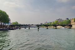 82 - Paris Mai 2019 - la Seine au Pont des Arts, Pont du Carrousel, Pont Royal (paspog) Tags: paris france 2019 mai may sine fleuve rivière pont bridge brücke pontdesarts