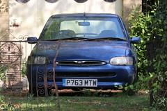 P763 MTW (Nivek.Old.Gold) Tags: 1997 ford escort ghia 16v 5door 1597cc stationroadgarage