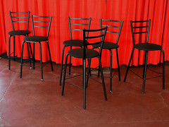 Chairs amid two shades of red... (Ullysses) Tags: chairs red hues ottawa ontario canada summer été chaises rouge