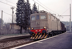 FS E645 002 (maurizio messa) Tags: e645 lombardia cargo mau bahn ferrovia freighttrain fret guterzuge yashicafxd treni trains railway railroad