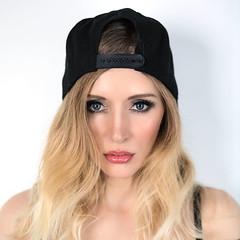 _Z1A0530a_pp_crop1_klein (Andreas.Gerull) Tags: manuela model portrait indoor studio blond longhaired girl woman female frau mädchen beauty beautiful