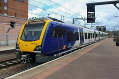 Northern 195102 (Mike McNiven) Tags: arriva railnorth northern dmu diesel multipleunit caf civity manchester manchesterairport airport liverpool limestreet