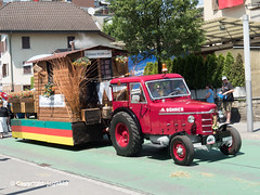 Central Switzerland Jodler Fest Parade, Horw, Canton of Lucerne, Switzerland (jag9889) Tags: 2019 20190630 6048 ch cantonlucerne cantonoflucerne centralswitzerland europe festival folklore helvetia horb horw innerschweiz kantonluzern lu lucerne luzern outdoor parade peninsula people schweiz singer suisse suiza suizra svizzera swiss switzerland tractor vehicle village zentralschweiz jag9889