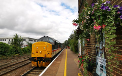 Class 37 419 arrives at Brundall with the 08.44 to Great Yarmouth 02 July 2019 (ian.dinmore) Tags: brclass37 carlhaviland drs wherrylines greaterangliashorthauledset greateranglia locohauled