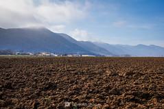 Campo labrado (SantiMB.Photos) Tags: 2blog 2tumblr 2ig santjoanlesfonts garrotxa girona invierno winter rural campo field geo:lat=4221351640 geo:lon=249425840 geotagged cataluna españa