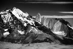Hoy te busqué (.KiLTЯo.) Tags: kiltro cl chile torresdelpaine magallanes patagonia natinalpark mountain rocks formation geology granite nature landscape snow