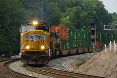 NORFOLK SOUTHERN 226 AT MAPLETON, GA (railfan1967) Tags: ns norfolksouthern ns226 intermodal train mapleton georgia unionpacific emd sd70m up4706