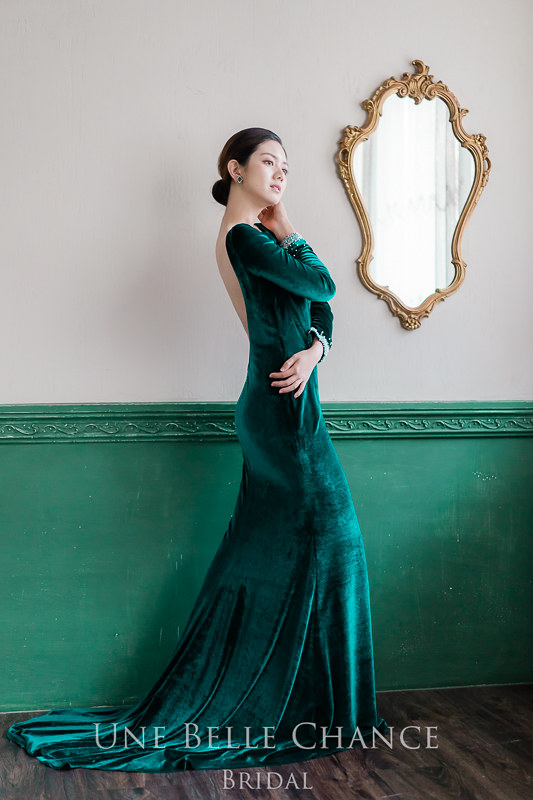 BH-601祖母綠美背絲絨晚禮服