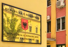 Shqiperia, le pays des aigles (Vincent Rowell) Tags: tirana albania albania2019 nationalflag ipadair2 albanianeaglesymbol governmentministrybuilding albanianlanguage