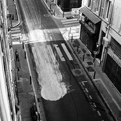 (cedricmarino) Tags: analog film square format medium monochrome mamiya c330 trix400 1600 marseille xtol 11 light street