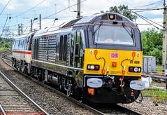 67006+91119 @ Warrington BQ (A J transport) Tags: diesel locodrag class67 class91 eletric wcml intercity royalsovereign boundsgreen railway trains 67006 91119