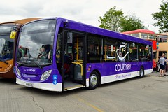 194 KX64AEL (PD3.) Tags: 194 kx64ael kx64 ael adl enviro 300 courtneys reading berkshire berks bus buses england uk transport fun day courtney