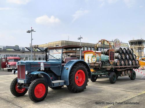 Traktor Hanomag R 460 & Bierkutsche