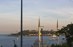 Seraglio Point [IV] (Olivier So) Tags: turkey istanbul bosphorus goldenhorn sunset dusk nusretiye mosque topkapi palace hagiasophia sophia fatih