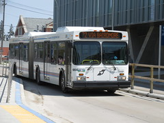 Winnipeg Transit 984 (TheTransitCamera) Tags: winnipegtransit transit transportation transport travel citybus bus fixedroute publictransit publictransport nfi newflyerindustries d60lf articulated artic bendybus winnipeg manitoba canada city urban route072 wt984