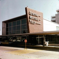 General Mitchell Airport, Milwaukee, Wisconsin (nxtkitt) Tags: mitchellfield milwaukeeairport