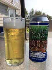 Sleeping Giant Grass Roots Lager (Cody La Bière) Tags: sleepinggiant glassrootslager