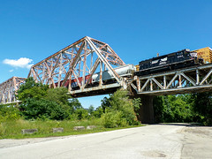 NS T20 Crossing Into Kentucky (dtrohdenburg) Tags: ns cnotp ohioriver bridge ludlow kentucky