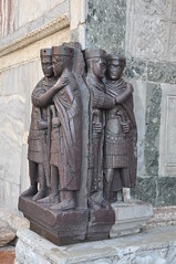 Tetrarchs (Ryan Hadley) Tags: tetrarchs porphyry sculpture art roman piazzasanmarco stmarkssquare piazza square venice italy europe worldheritagesite