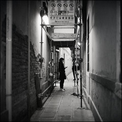 ** (Koprek) Tags: rolleiflex28f ilfordhp5 film 6x6 120 koprek italy venice 1600 streetphotography stphotographia street stphotography may 2019 medium format