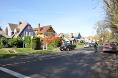 DSC_0136 (mekroliko) Tags: sharrow biking transit residential
