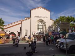 Wells Fargo Bank in Monterey (Teelicht) Tags: california farmersmarket kalifornien markt monterey montereycounty nordamerika northamerica usa unitedstatesofamerica vereinigtestaaten