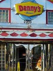 Denny's Diner (MarkusR.) Tags: dsc00495 mrieder markusrieder vacation urlaub fotoreise phototrip usa 2018 usa2018 sonydschx60 arkansas diner restaurant dennys bentonville buildings gebäude
