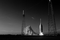 Ascent Abort-2 Liftoff, variant (sjrankin) Tags: 3july2019 florida rocket spacecraft exhaust plume test nasa edited aa2 orion launchabortsystem las aborttest artemis2 ascentabort2 launchpad46 grayscale