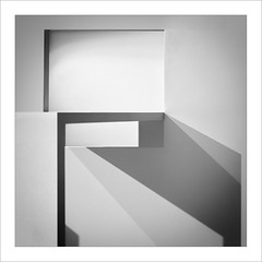 Abstracció BN / Abstraction BW (ximo rosell) Tags: light blackandwhite bw abstract luz architecture spain arquitectura squares bn llum composició abstracció ximorosell